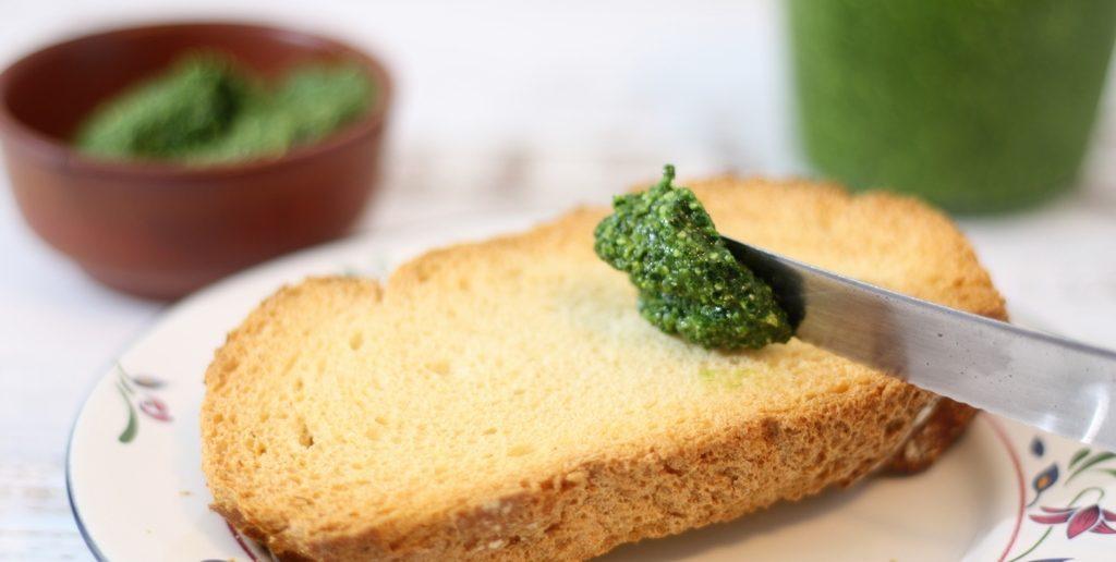 Toscaanse cavolo nero pesto met brood