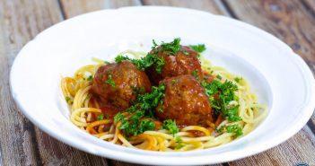 Spaghetti met gehaktballen in tomatensaus - 4