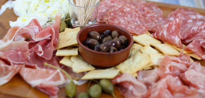 Italiaanse antipasti voor de borrelplank